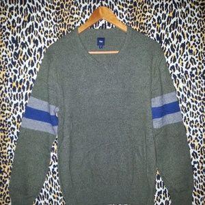 Men's Retro Style Gap Sweater Size Medium